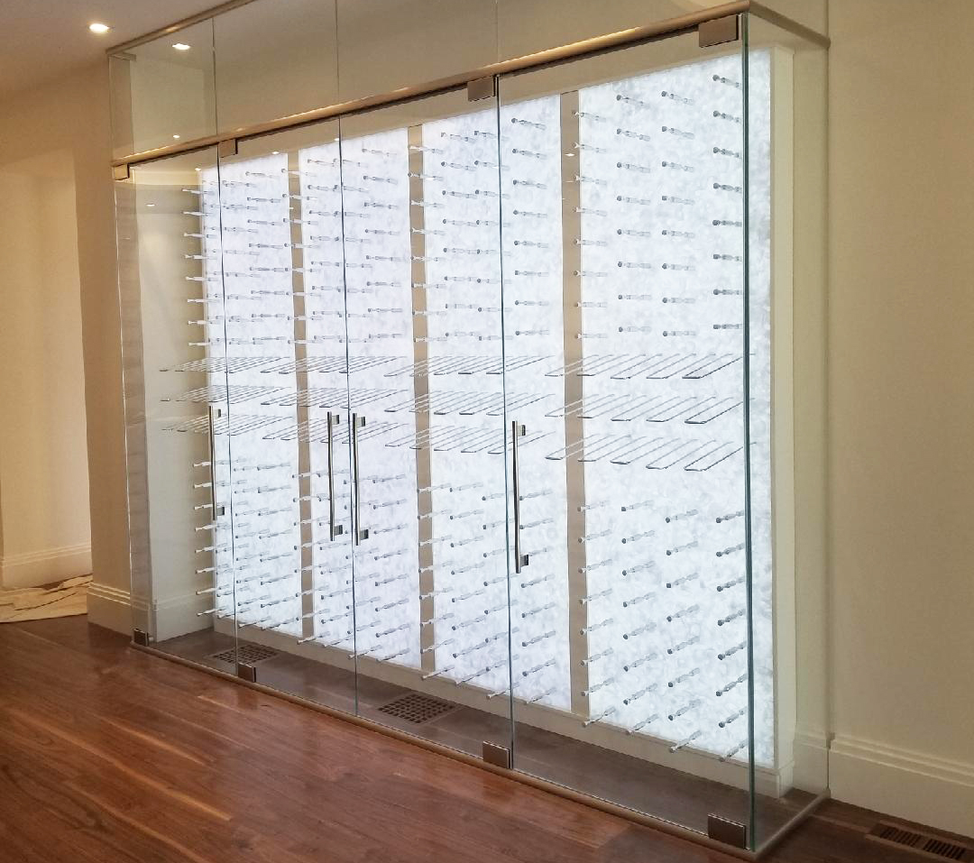 glass enclosure for wines